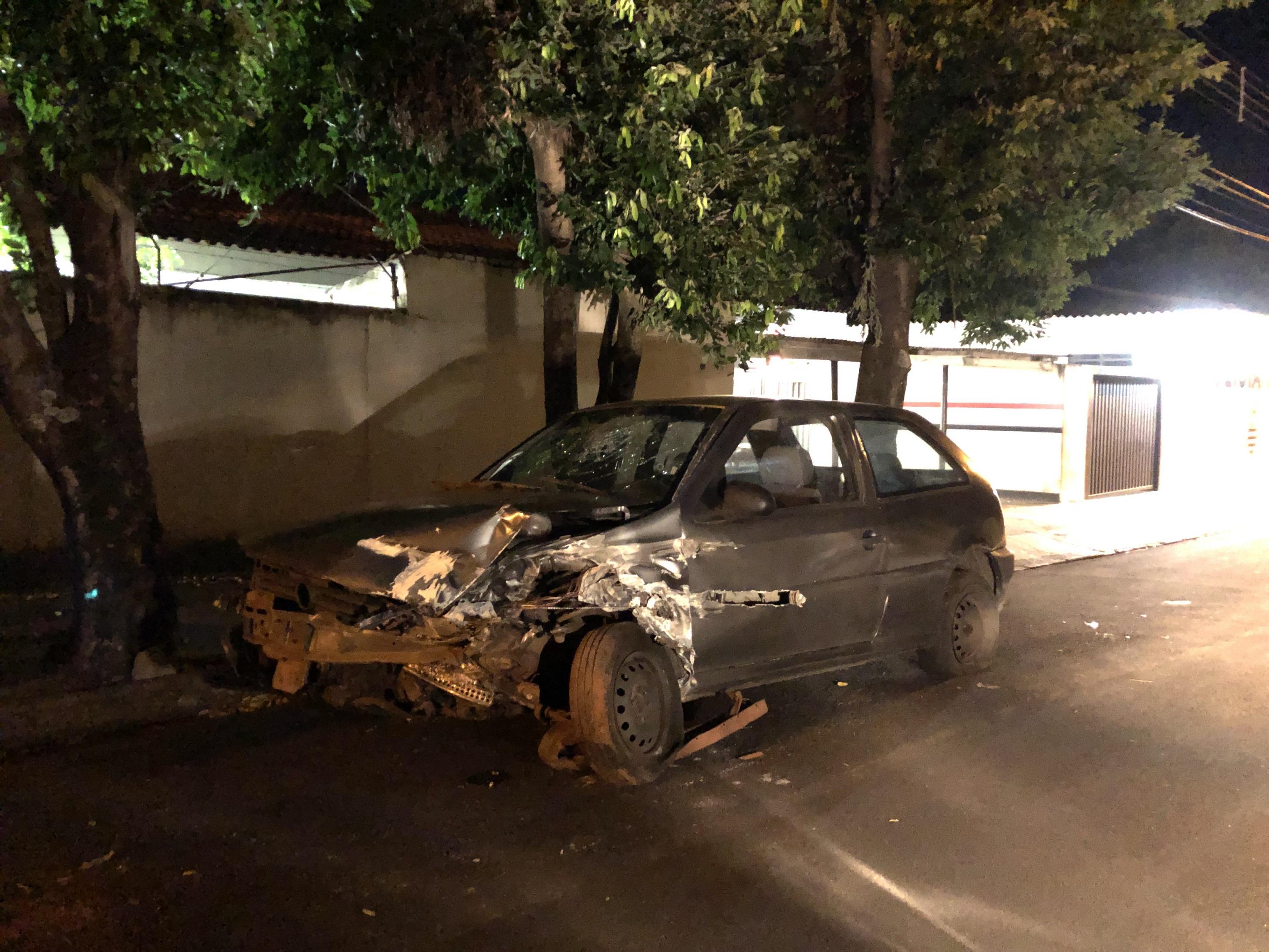 Homens que estariam em 'saidinha' temporária roubam carro e são presos em Mirandópolis