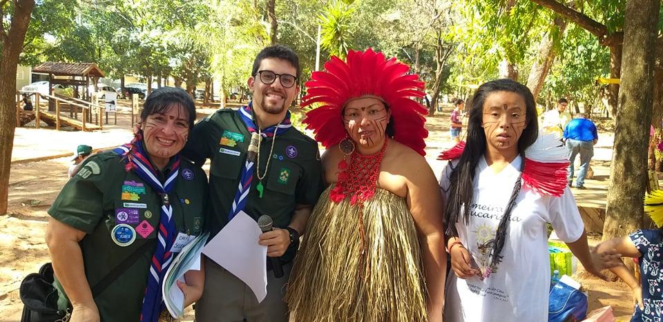 Indios Kaingangs realizam apresentação cultural no Bosque Municipal