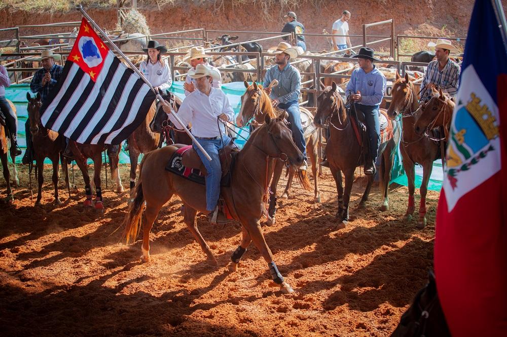 Mirandópolis recebe competições de prova do laço e ranch sorting