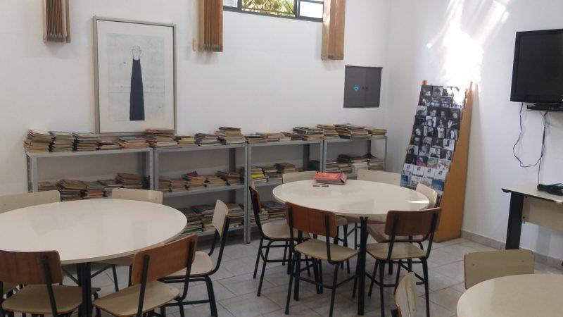 Biblioteca, um espaço que distribui conhecimento e história