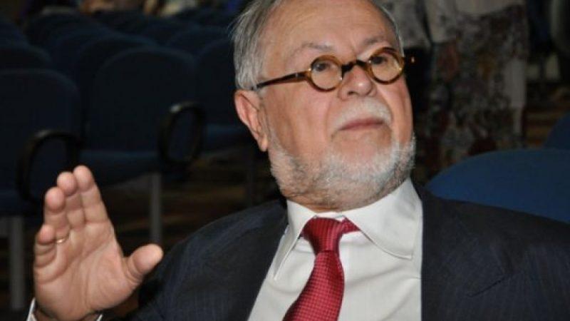 Dercir Pedro de Oliveira: comunicador, carismático e educador