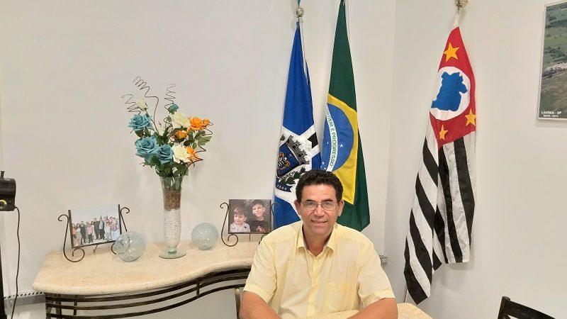 De office boy a prefeito, conheça a história de Clovis Izidio de Almeida