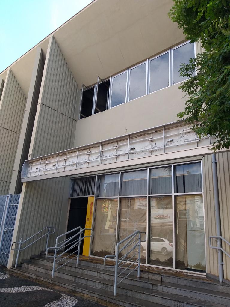 Após dois meses do anúncio da mudança de prédio, paço municipal continua no Ginásio de Esportes
