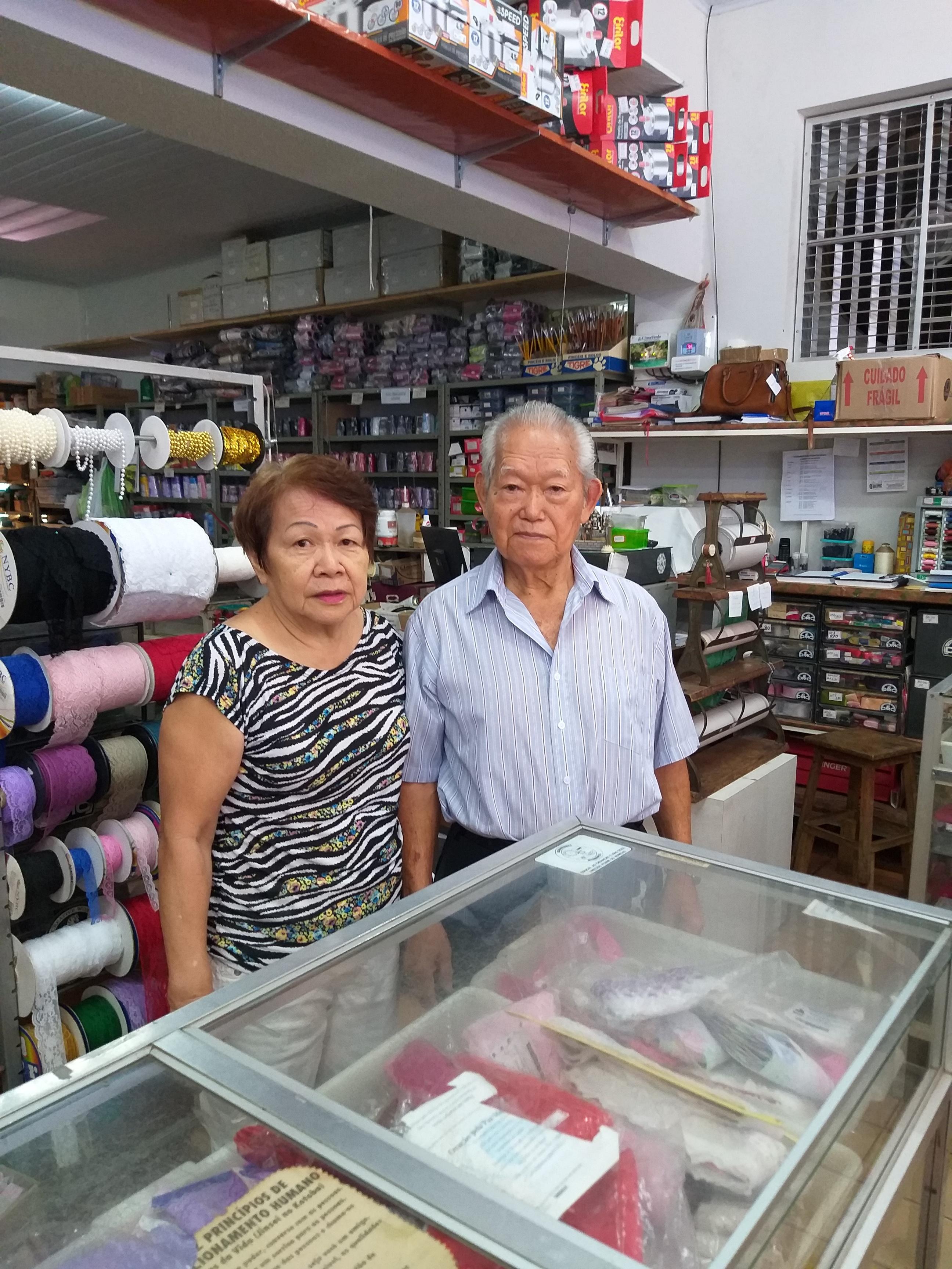 Mineo e Noriko: dedicação no comércio e nas causas sociais