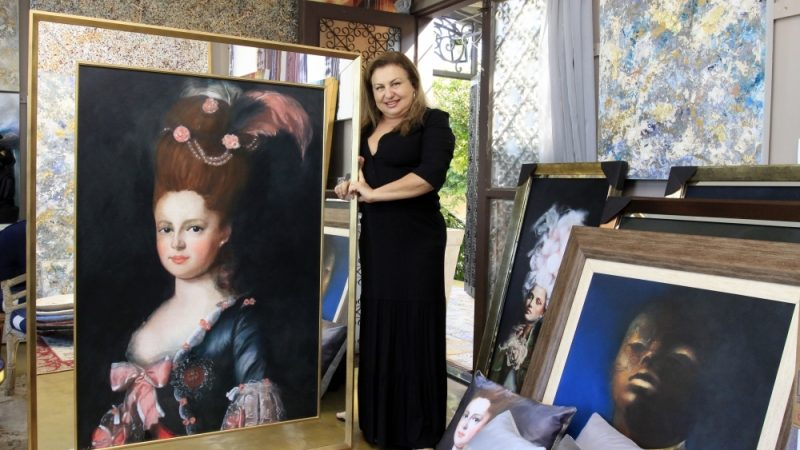 'Adoro levar alegria para dentro das casas', comenta Regina Cheida
