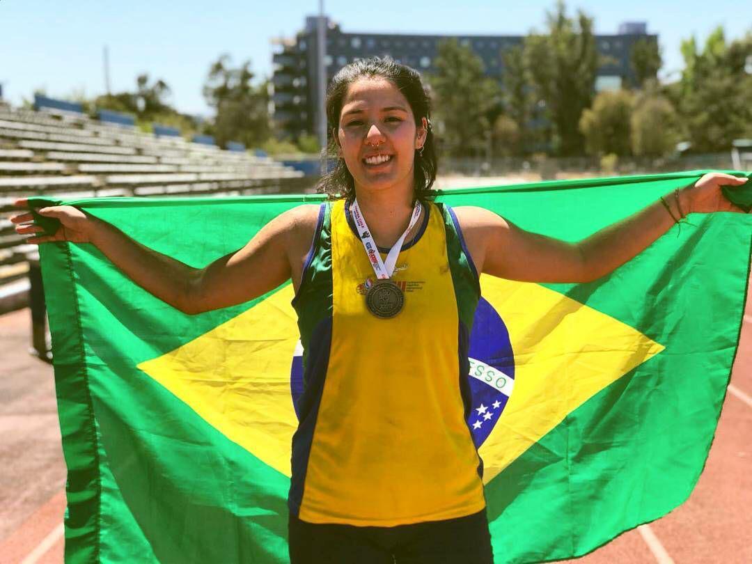 Atletismo, um salto na vida de Renata Katayama