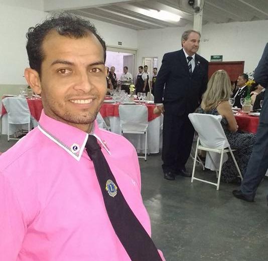 'O trabalho social me ajudou a valorizar as coisas simples da vida a que não dava tanto valor', comenta Carlos Ferreira
