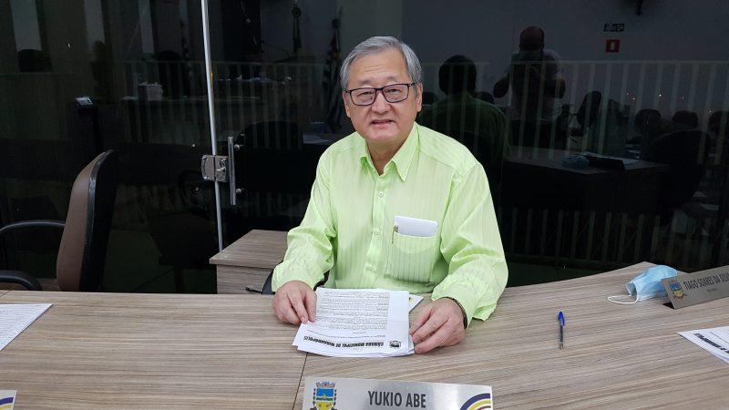 'Não vou tentar reeleição porque vou me dedicar exclusivamente ao trabalho', explica Yukio Abe