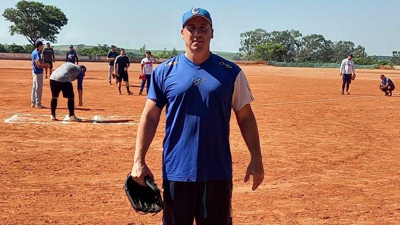 'Espero formar uma nova geração de atletas de beisebol em Mirandópolis', acredita o treinador Ariel Ortega