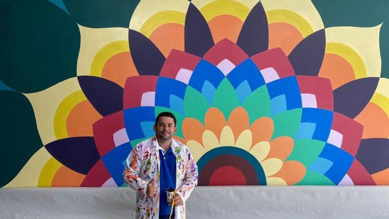 Oséias Moreira realiza exposição 'Espelho da Alma'; artista apresentará suas obras na Europa no segundo semestre