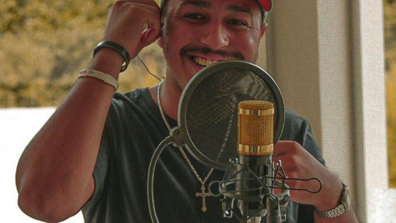 João Zagatto completa 10 anos de carreira com lançamento