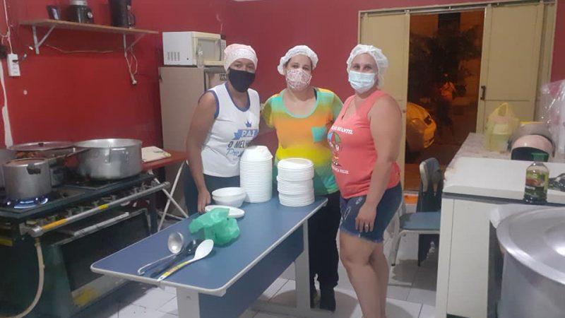 Projeto 'Cozinha do Bem' distribui refeições para ajudar famílias necessitadas