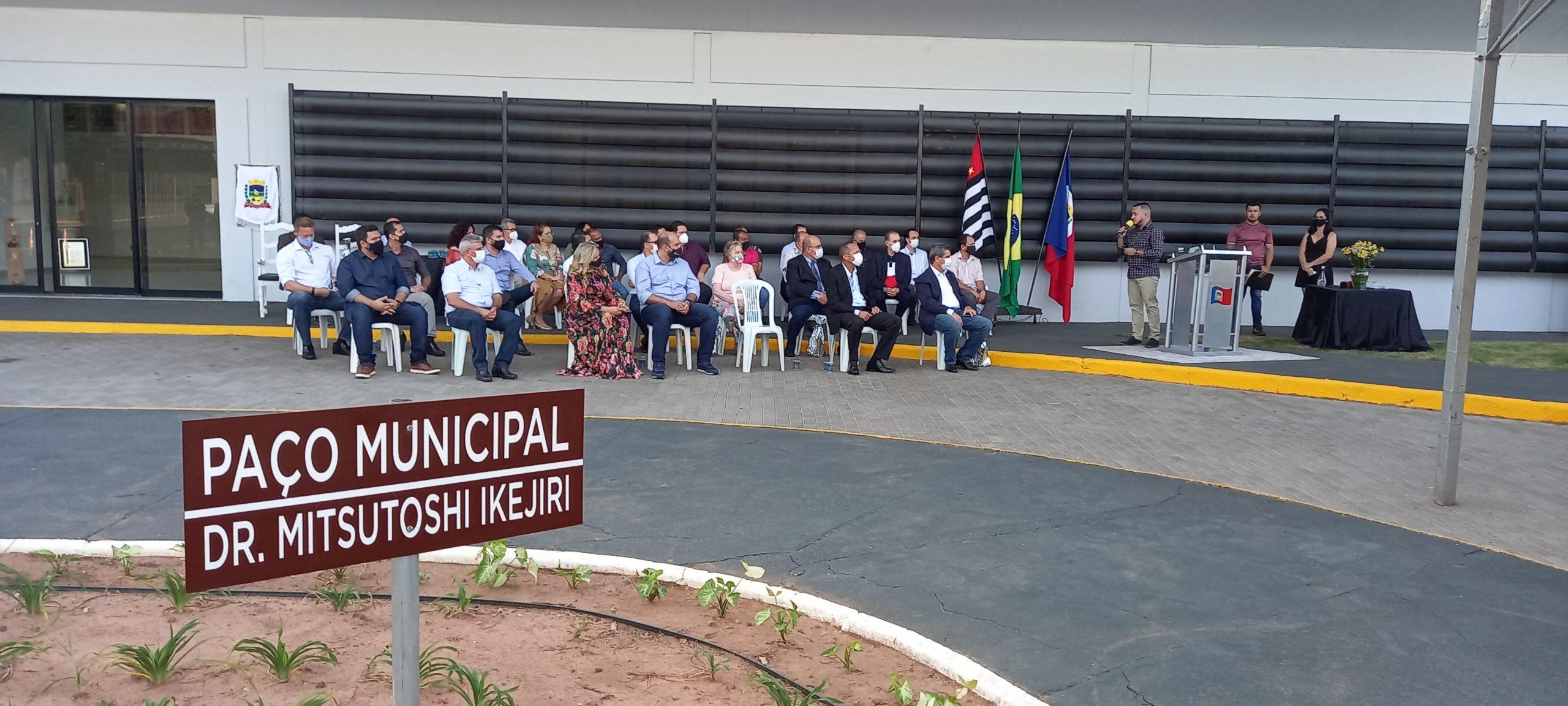 Após quase dois anos sem uso, paço municipal é reinaugurado