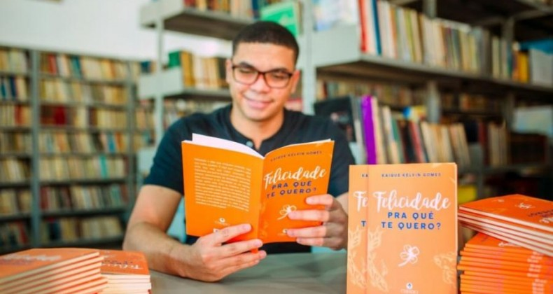 Escritor de Valparaíso lança seu terceiro livro