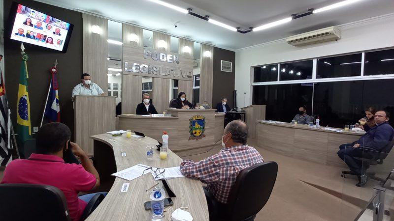 Grampola solicita explicações do prefeito em razão da má qualidade das cestas básicas fornecidas aos servidores