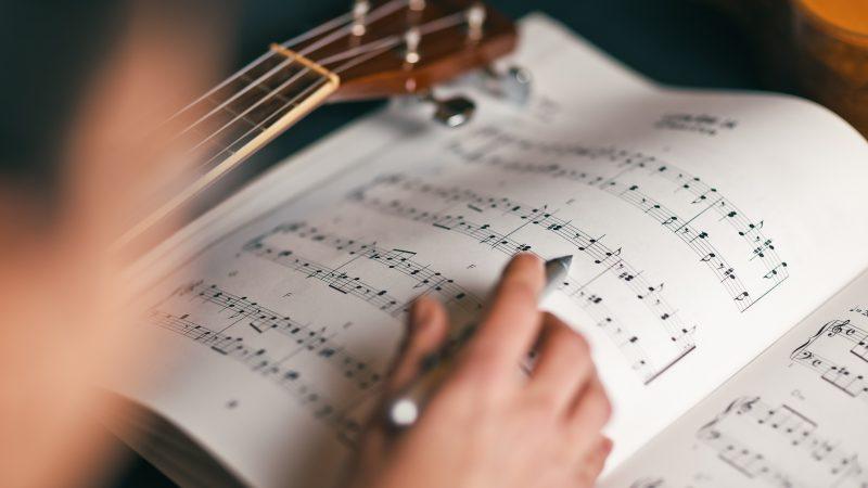 Os benefícios da música para o corpo e a alma