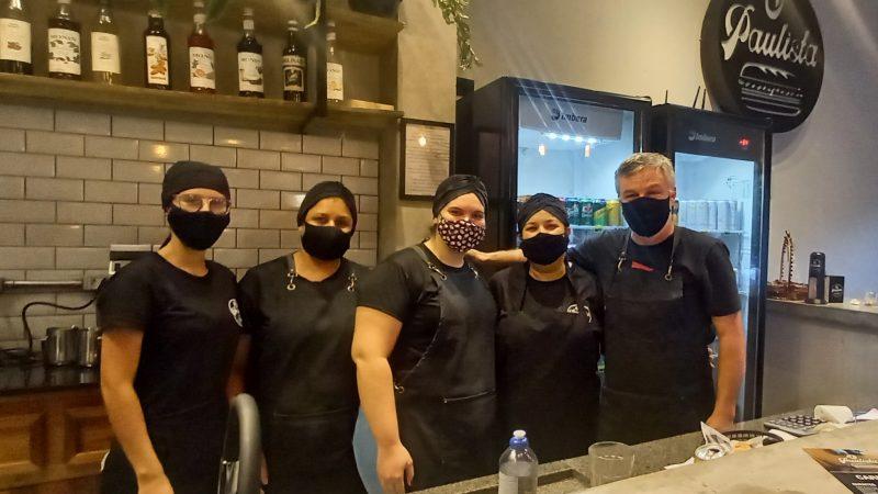 'Sempre quis montar uma lanchonete que lembrasse São Paulo com café e pão na chapa', explica Antônio Carlos Sexto, do O Paulista