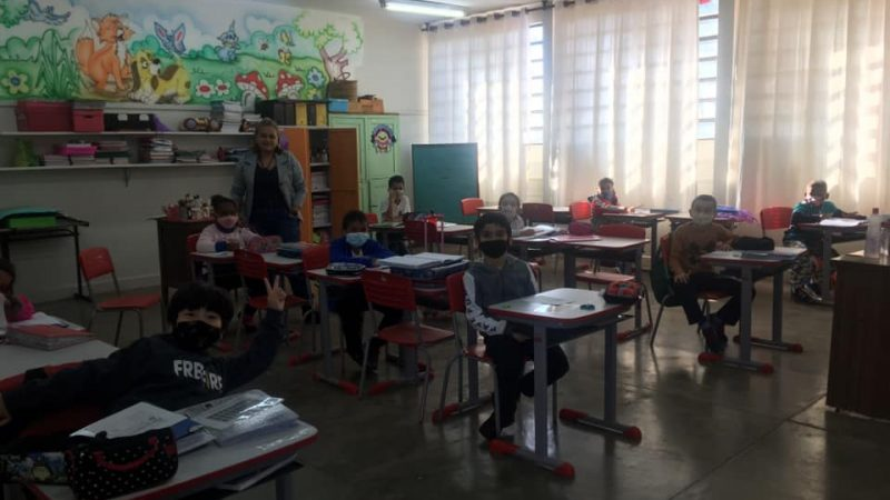Escolas de Mirandópolis retomam aulas presenciais, podendo receber a capacidade máxima de alunos, com distanciamento