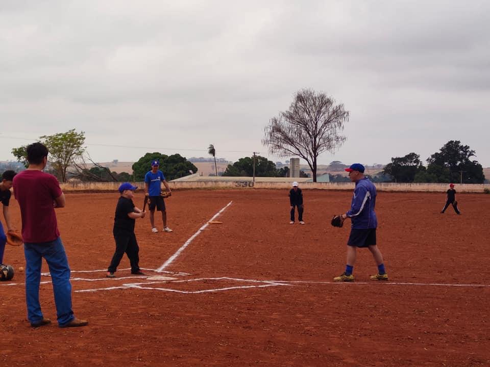 Escola de Beisebol de Mirandópolis convoca população para participar dos treinamentos