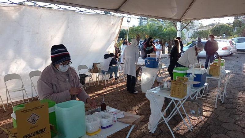 Mirandópolis vacinou 18 mil pessoas com as duas doses e 525 com a dose única até quinta-feira (14)