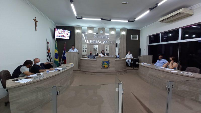'Quem manda na prefeitura é o prefeito, mas quem manda na câmara são os vereadores', ressalta Grampola em tribuna